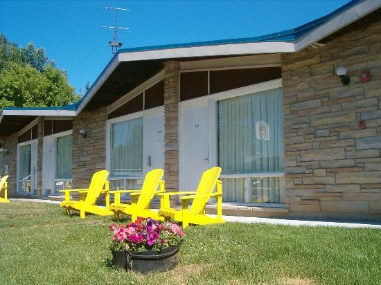 Gananoque, Kanada: Actual Inn Rooms - Ramada Provincial Inn