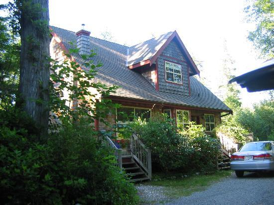 Photo of Sandsend Cottage at Chesterman Beach Tofino