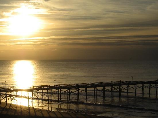 Atlantic Beach, Carolina del Nord: Sunrise from our balcony