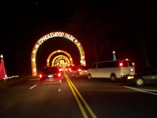 Clemmons, NC: Entrance to Tanglewood Park
