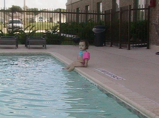 Ramada Gatesville: Nice, clean pool