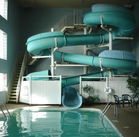 Econo Lodge: Indoor Pool and Waterslide