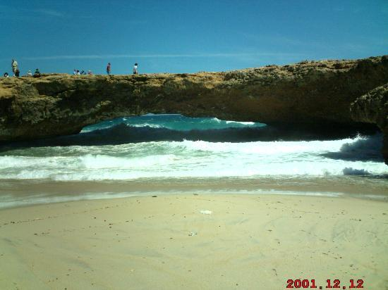 Aruba Beach Club: Natural Bridge.