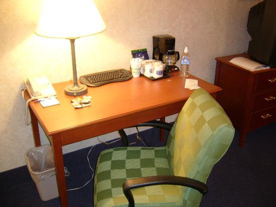 La Quinta Inn & Suites New Haven: Desk & Chair