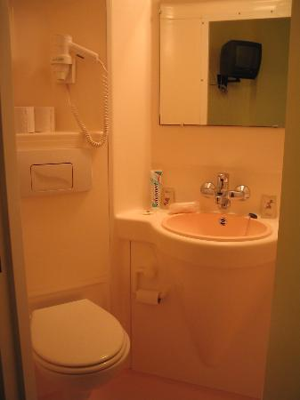 Timhotel Boulogne Rives De Seine: Bathroom