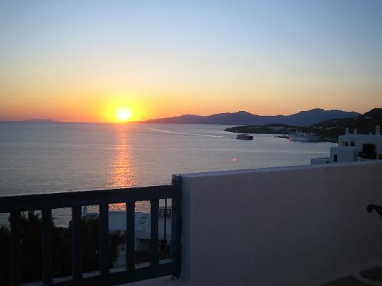 Hotel Gorgona: sunset on mykonos