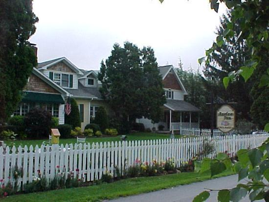 Azalea Inn Bed and Breakfast: Azalea Inn Banner Elk, NC
