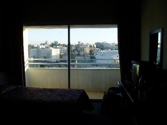 Mount Scopus Hotel: The room interior (sorry, photo dark)