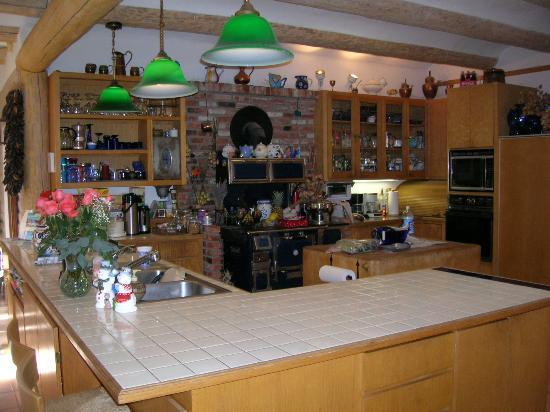 Sarabande Bed and Breakfast: Main kitchen