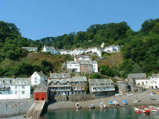 Clovelly, UK: Village as seen from harbor seawall