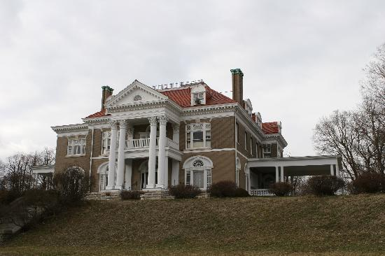 Hannibal, MO : rockcliff mansion 