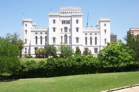 ‪Louisiana's Old State Capitol‬