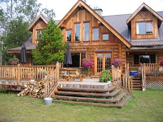 Siwash lake ranch 100 mile house british columbia for Disegni di log casa stile ranch