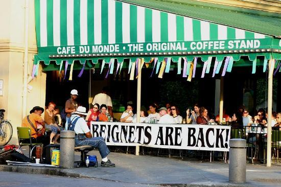 Cafe du Monde - Restaurants - 800 Decatur Street, New Orleans, LA, 70116, USA