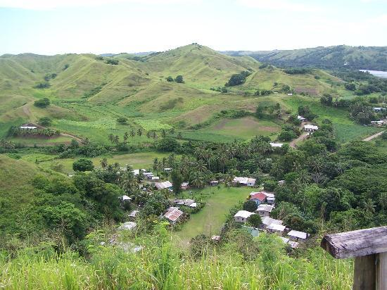 Sigatoka, Fidschi: village from fort