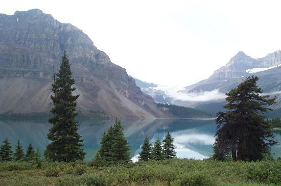Alberta, Canada: Even on a cloudy day, the scenery is spectacular