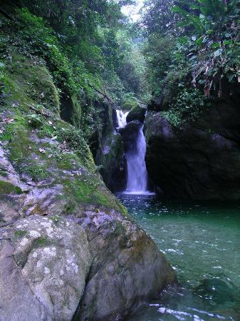 La Ceiba, Honduras: waterfall