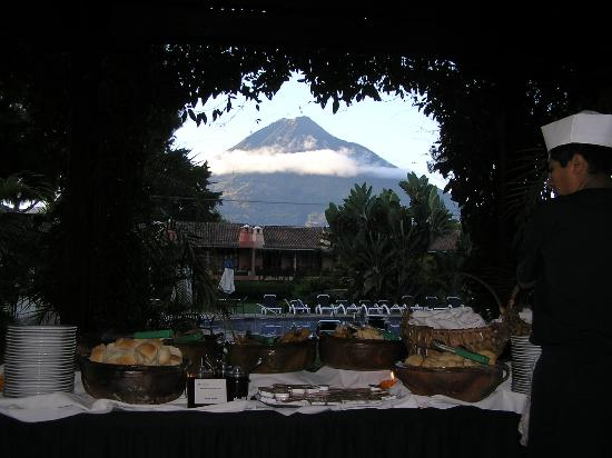 Porta Hotel Antigua: View from Restaurant -- Breakfast Buffet
