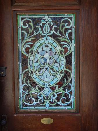 Beautiful Front Doors on Suites   Historic Cottages  Rls Suite   The Beautiful Front Door