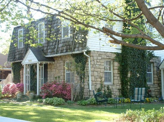 Photo of Mackintosh Inn Bed and Breakfast Tulsa