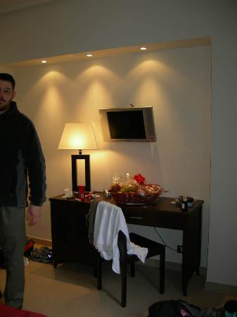 Hotel Garda: there was a flat panel t.v.!