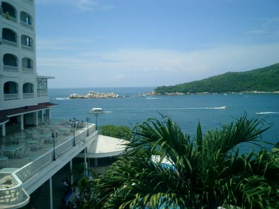 ‪‪Hotel Acamar Acapulco‬: View from Hotel Room Terrace‬