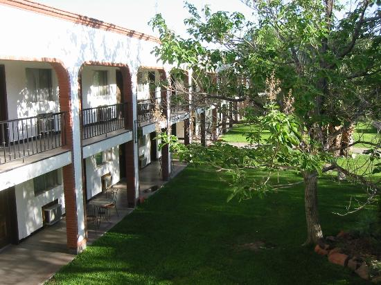 Hacienda Hotel: Rooms & Courtyard