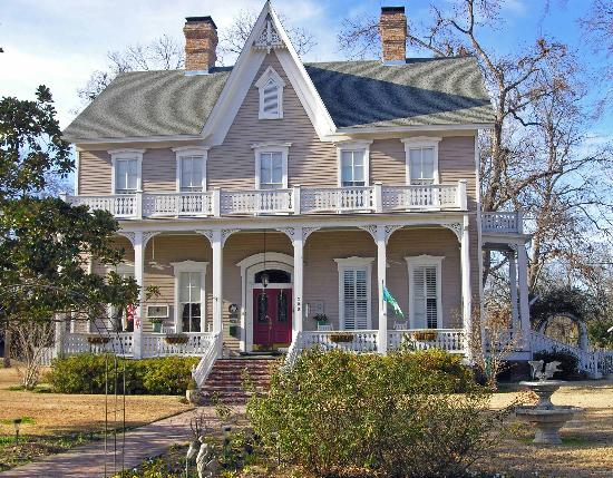 The Excelsior House: Historical Home in Jefferson