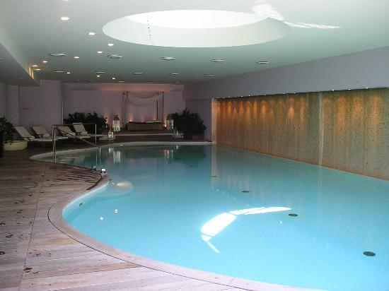 Causes of Foul Smell in Spa and Hot Tub
