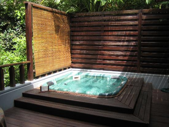 outdoor jacuzzi picture of banyan tree bintan bintan. Black Bedroom Furniture Sets. Home Design Ideas