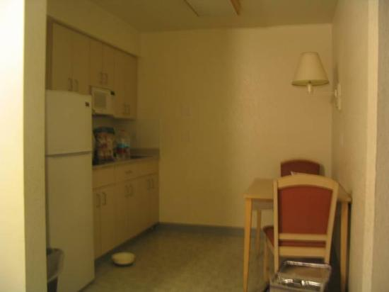 Motel 6: Kitchen