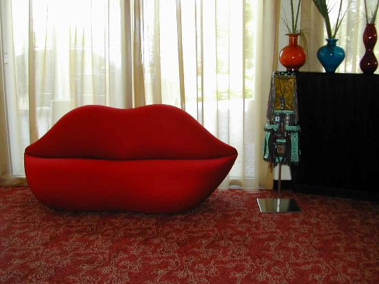 Color Hotel: design sofa