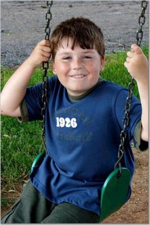 Manheim, Πενσυλβάνια: Noah on the tree swing.  Kids will love the farm.  Lots to do outside and board games to...