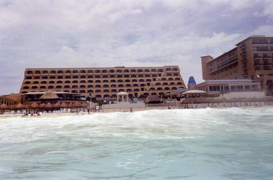 Photo of Golden Shores Crown Paradise Cancun