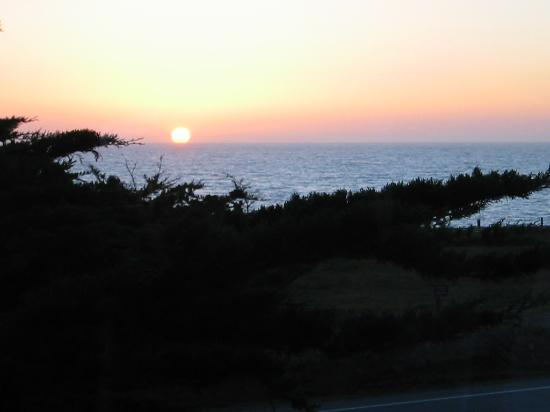 Blue Whale Inn: Sunset from the Dining room window