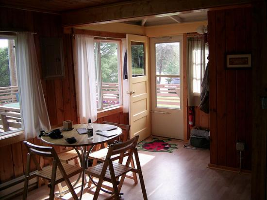 Lady Bug Lodge: another view of the inside of cabin