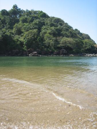 Canacona, Indie: gorgeous green water at the south end of the beach