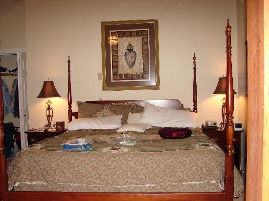 Grand Victorian Lodge: Bedroom