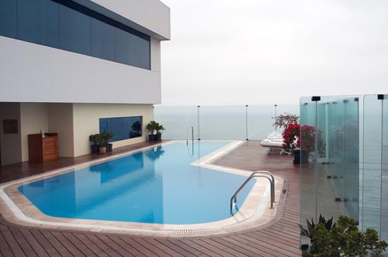 Miraflores Park Hotel by Orient-Express: Rooftop Pool
