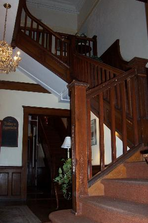 Bullis House Inn: the grand stairs