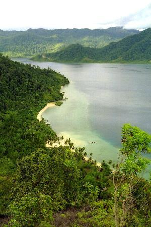 Padang, Indonesia: Top view of resort's beach from top of Mt. Cubadak
