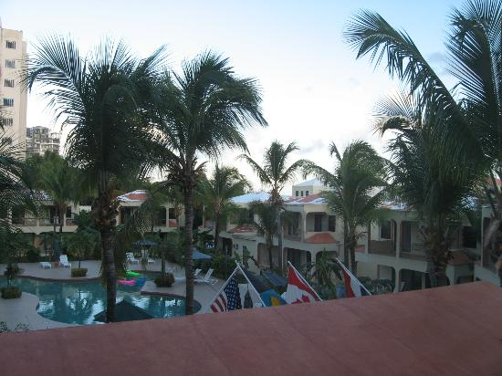 Cupecoy Bay, St. Maarten-St. Martin: Image from tower appt of pool / villas.