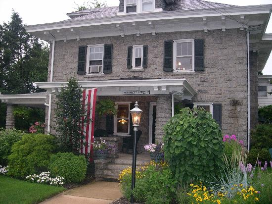 Kennett House Bed &amp; Breakfast: Kennett House