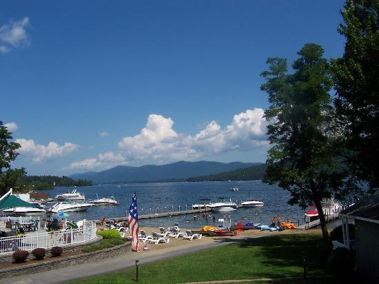 Lake George, Нью-Йорк: The view from our hotel room