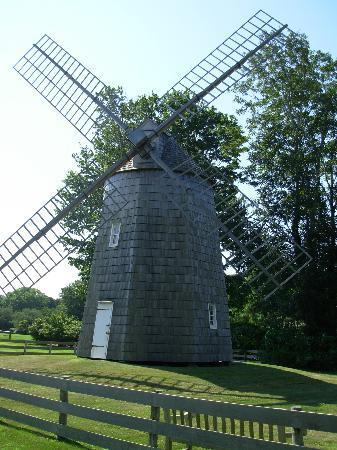 Mill House Inn : Gardiner Wind Mill