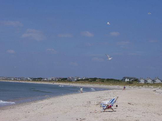 Bald Head Island Limited: The Beach at the Shoal&#39;s Club