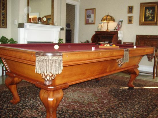 The Bacchus Inn: pool table