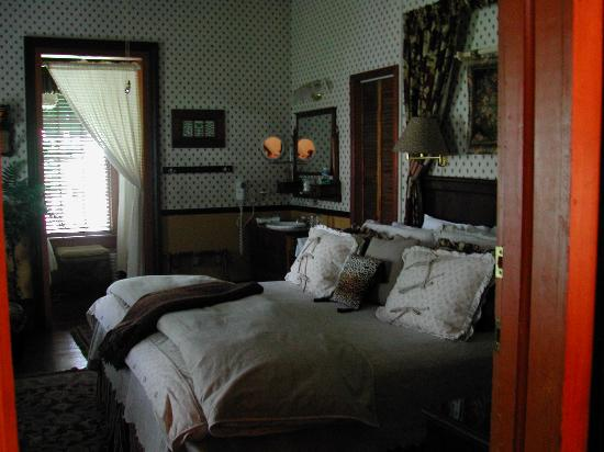 Dunbar House, 1880: Room