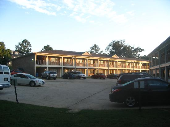 Suburban Extended Stay Hotel: Sunset