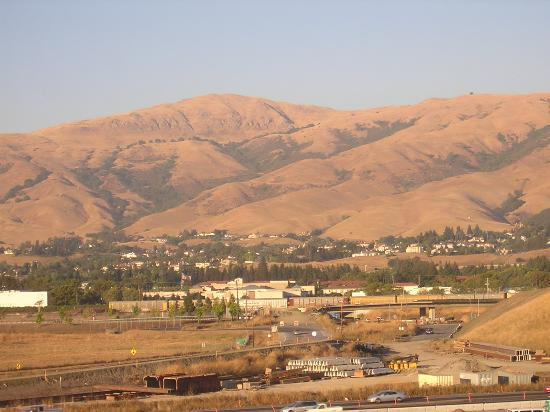 Fremont, Californie : Construction on the 880 freeway can't hide the California scenery.